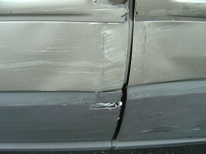 2005 Chrylser Pacifica damage